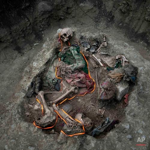 APTOPIX Peru Unearthing the Bodies Photo Gallery