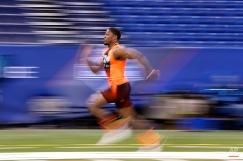 Northern Iowa running back David Johnson runs the 40-yard dash at the NFL football scouting combine in Indianapolis, Saturday, Feb. 21, 2015. (AP Photo/Julio Cortez)