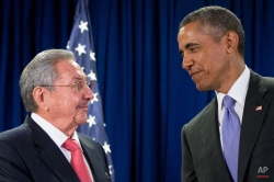 President Barack Obama talks with Cuban President Raul Castro before a bilateral meeting, Tuesday, Sept. 29, 2015, at the United Nations headquarters. (AP Photo/Andrew Harnik)