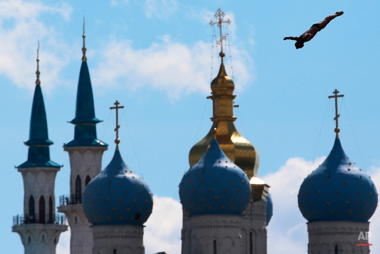 Artem Silchenko of Russia competes during the men's 27 meter high dive competition at the Swimming World Championships in Kazan, Russia, Monday, Aug. 3, 2015. (AP Photo/Denis Tyrin)