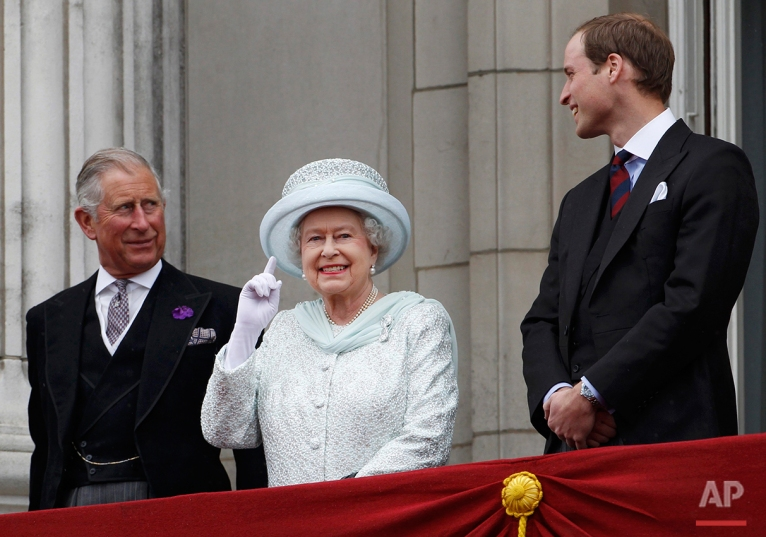 Britain's Prince Charles, Britain's Queen Elizabeth II and Prince William stand on the balcony at Buckingham Palace during the Diamond Jubilee celebrations in central London Tuesday June 5, 2012. Four days of nationwide celebrations during which millions of people have turned out to mark the Queen's Diamond Jubilee conclude on Tuesday with a church service and carriage procession through central London. (AP Photo/Stefan Wermuth, Pool)