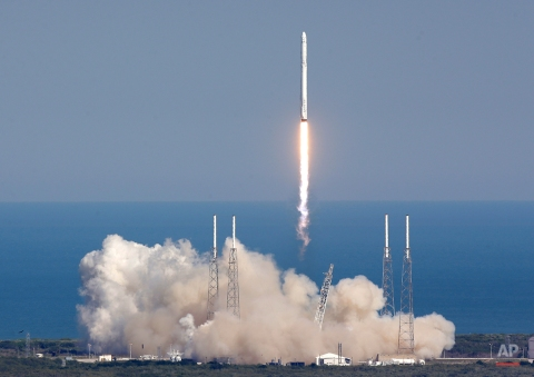 The SpaceX Falcon 9 rocket lifts off from launch complex 40 at the Kennedy Space Center in Cape Canaveral, Fla., Friday, April 8, 2016. The rocket will deliver almost 7,000 pounds of science research, crew supplies, and hardware to the International Space Station. (AP Photo/John Raoux)