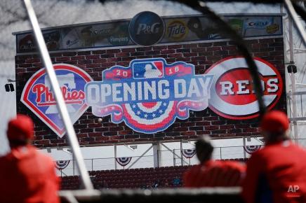 The Philadelphia Phillies practice before an opening day baseball game against the Cincinnati Reds, Monday, April 4, 2016, in Cincinnati. (AP Photo/John Minchillo)