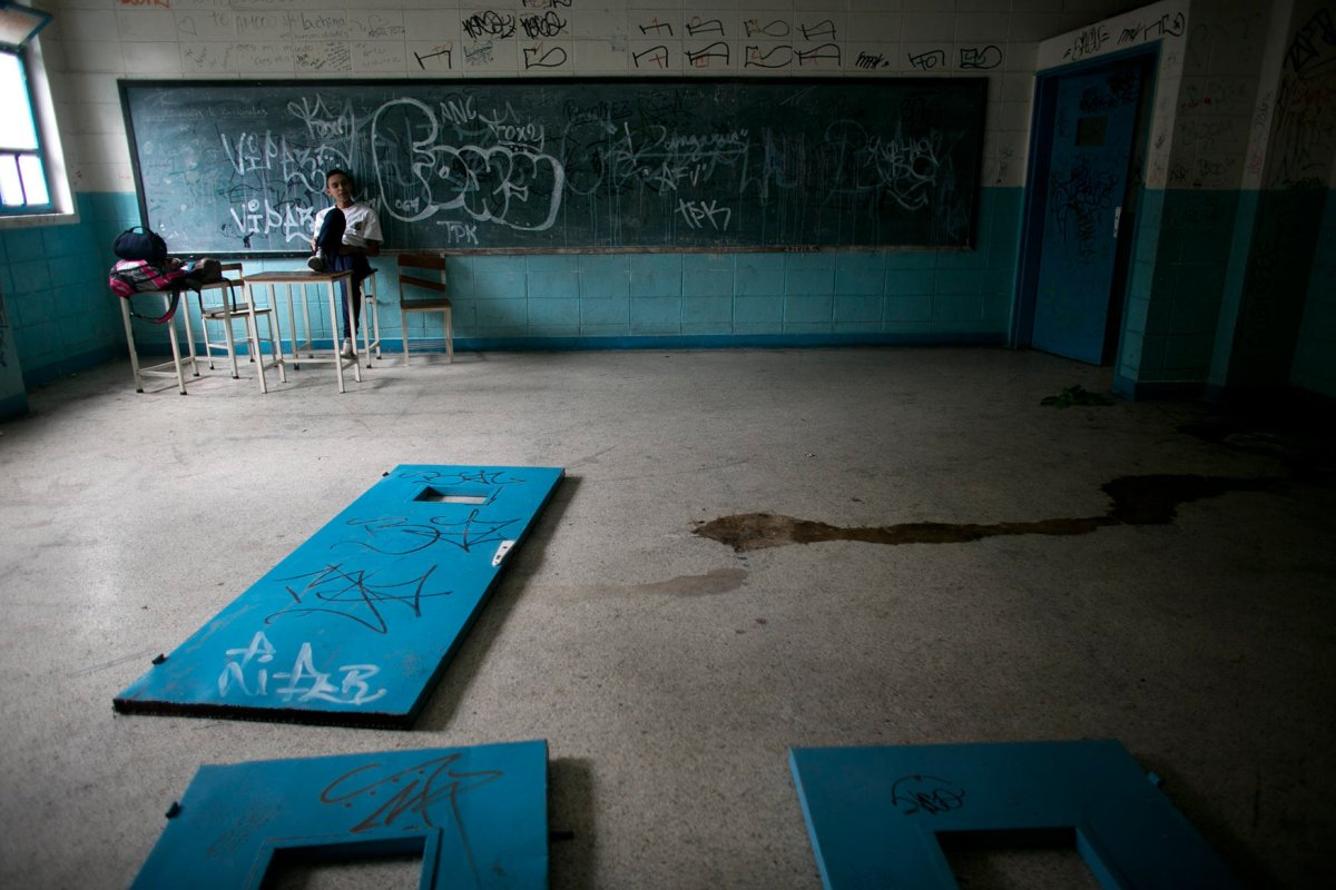 No Food, No Teachers, Violence in Failing Venezuela Schools
